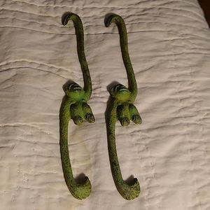 Verdegris Monkey Hangers